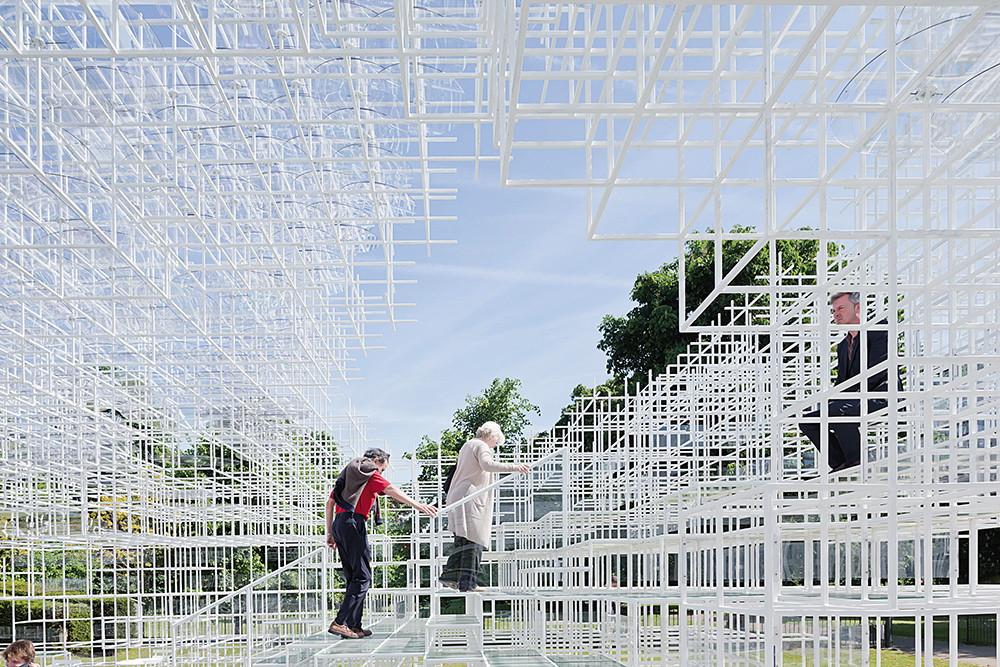 2013年藤本壯介成為第三位獲邀參加英國蛇形藝廊計畫的日本建築師,確立國際地位。 圖片提供◎Sou Fujimoto A