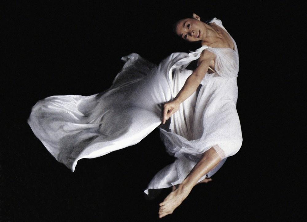1987羅曼菲首次個人舞展「羅曼菲舞展」(劉振祥攝 雲門基金會提供)