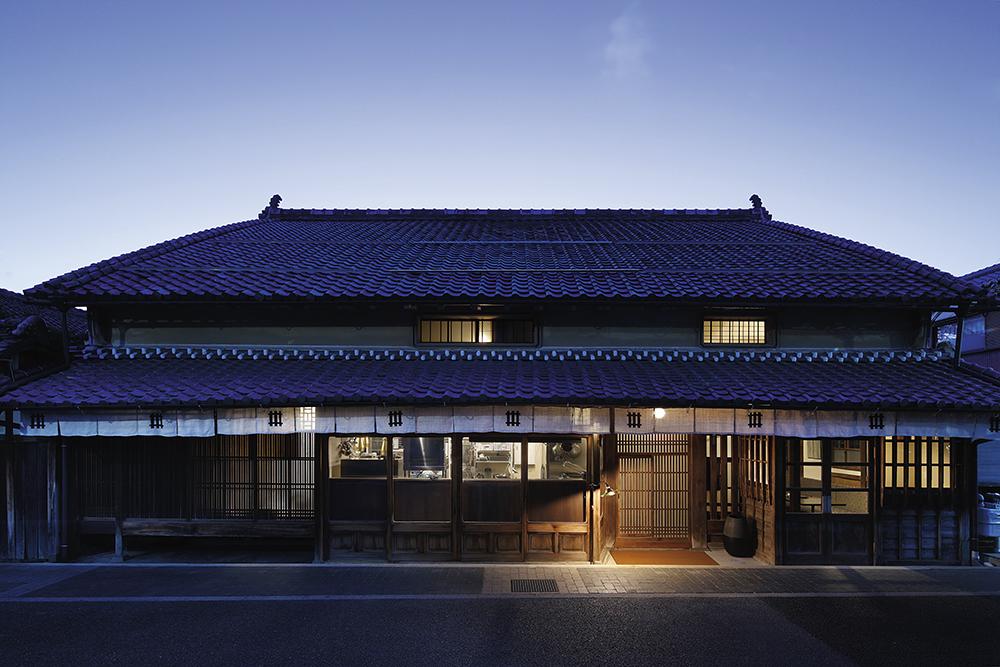 篠山城下町HOTEL NIPPONIA的住宿空間 ONAE建於明治時期,原是銀行經營者的住所,被當地政府選為「景觀重要建
