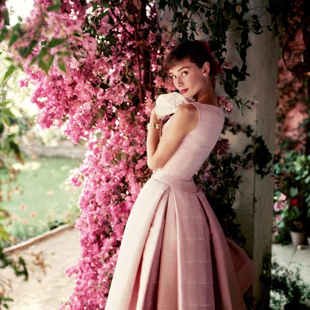 成就奧黛麗赫本時尚風采的幕後推手!法國傳奇時尚大師紀梵希Givenchy與女神的時尚情誼