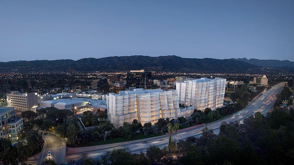 由Frank Gehry打造的全新華納兄弟總部建築群,位於柏本克市中心,鄰近主要幹道Ventura高速公路,另一側則朝向