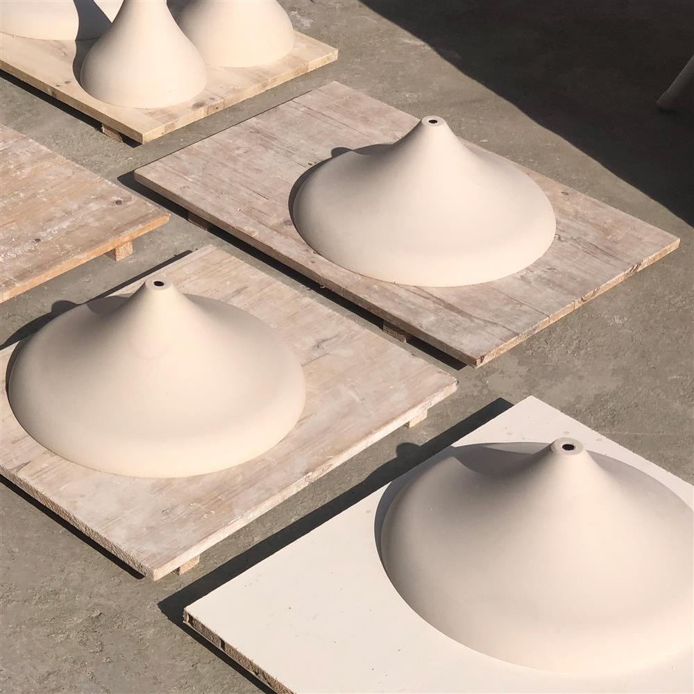 咖啡渣吊燈變身質感家具!傳統陶瓷坑燒技術染色 形成獨一無二大理石紋路_01