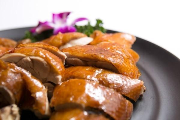 台北東區中式餐酒館「青樓」!創意中國風品味現代微醺感