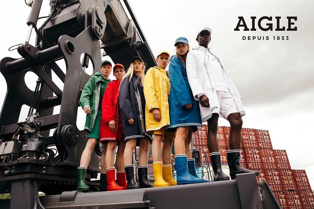 AIGLE SIGNATURE 系列商品春夏糖果色搭配復古白色滾邊線條繽紛色彩展現出眾耀眼的魅力姿態