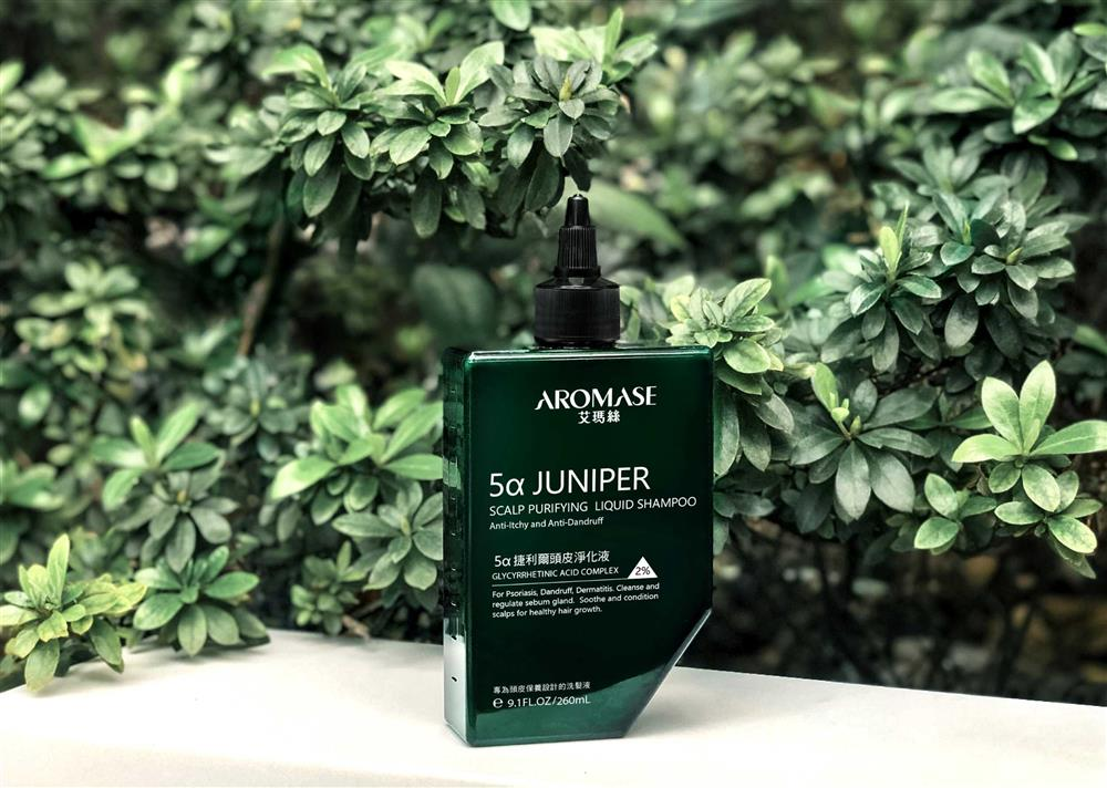 AROMASE艾瑪絲明星商品捷利爾液,液態洗髮精不需加水即可輕柔起泡,於洗髮第一步驟使用。