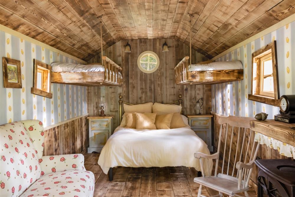 Airbnb推小熊維尼Bearbnb06e