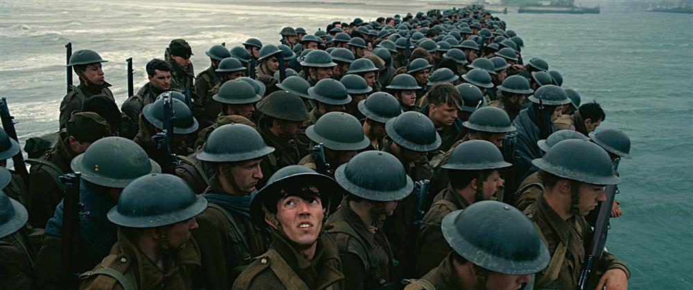 導演大規模地派上了「電影中的時間」的設定來表現。不僅領觀眾用另種角度凝視該一歷史時刻,這部作品也成為了理解「電影之呈現時間」的絕佳範例。