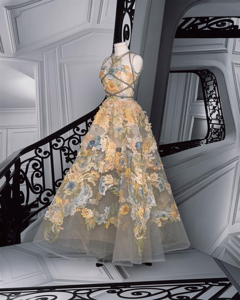 DIOR_HAUTE COUTURE_AUTUMN-WINTER_2021_LOOKBOOK_©BRIGITTE NIEDERMAIR_LOOK_30