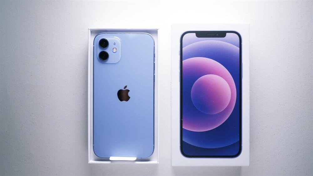 2021春季紫色iPhone 12和Apple Watch錶帶6