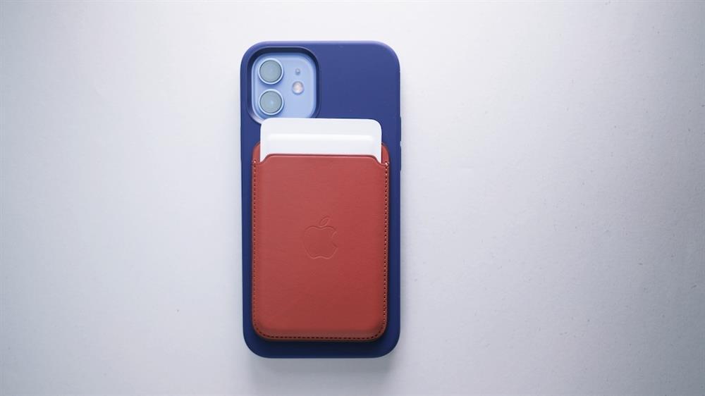 2021春季紫色iPhone 12和Apple Watch錶帶8
