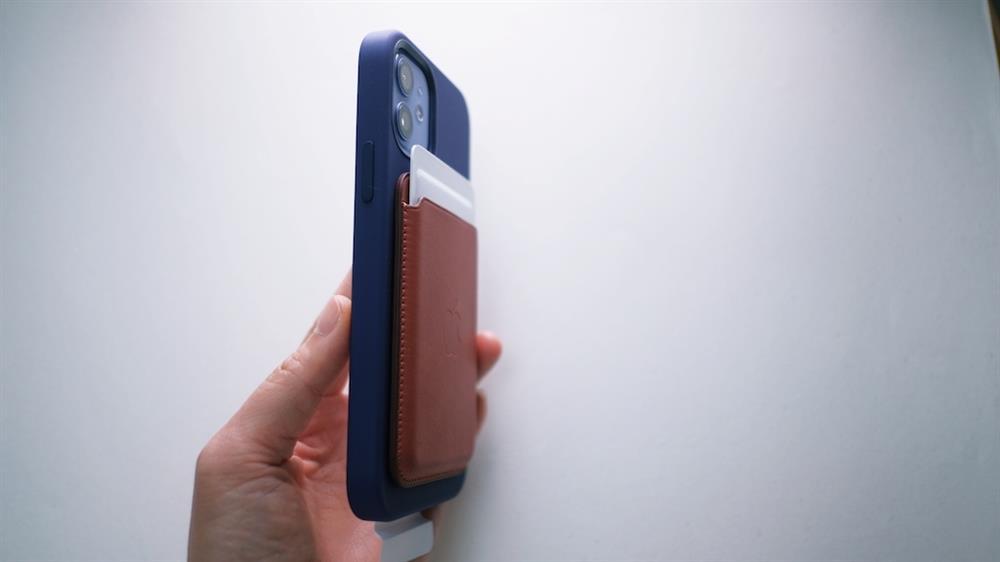 2021春季紫色iPhone 12和Apple Watch錶帶11