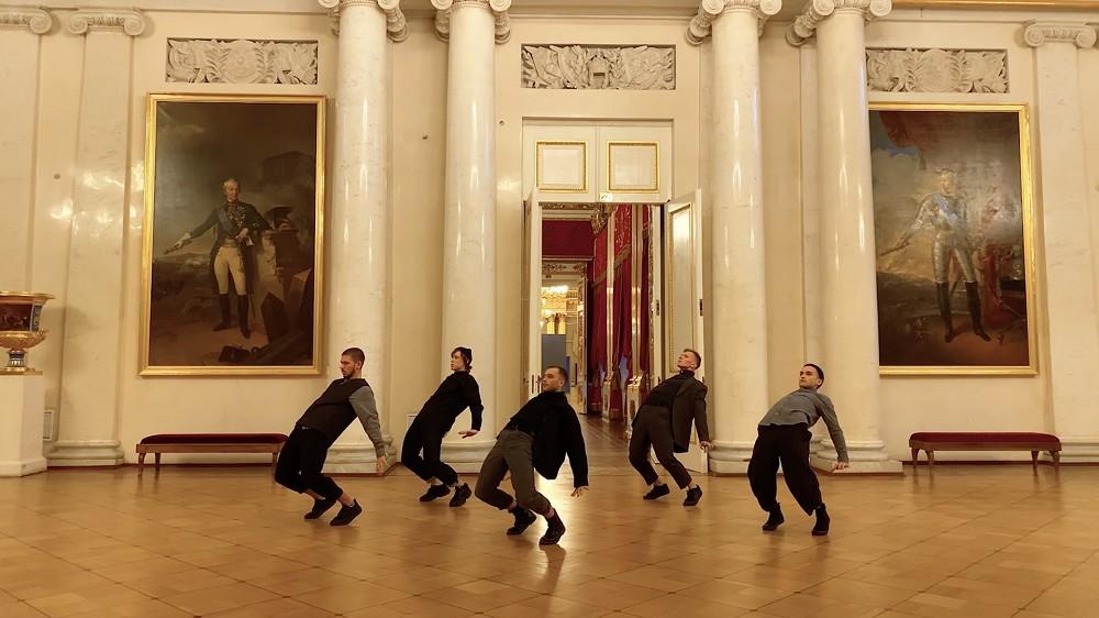 4K影片一鏡到尾!漫遊世上最大博物館之一 隱士廬博物館