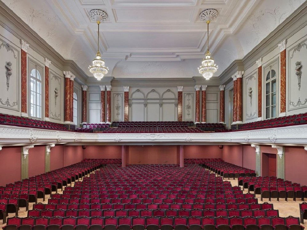 瑞士建築團隊Herzog &deMeuron改造「Stadtcasino Basel」歐洲最老音樂廳再現光華_01