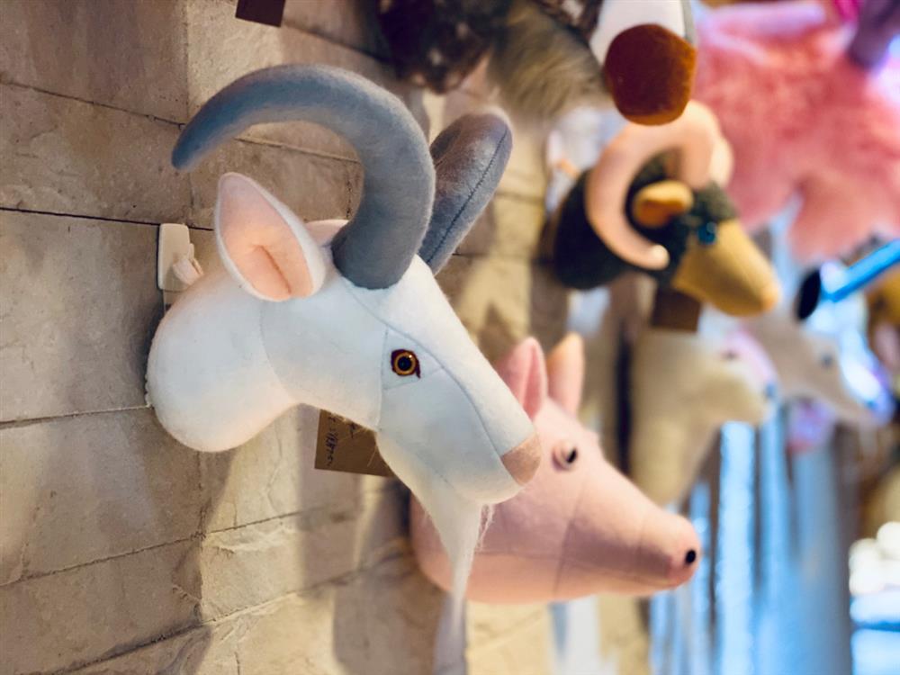 惟妙惟肖的擬真馴鹿、獨角獸!日本設計師花村一晃打造療癒系羊毛氈動物頭壁掛飾