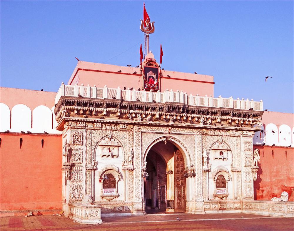 Le_temple_de_Karni_Mata_(Deshnoke)_(8423353617)