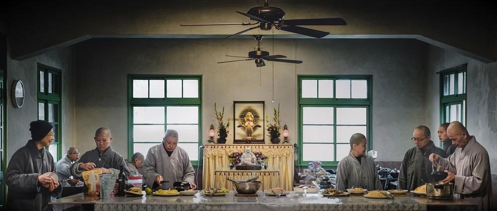 充滿電影感的建築攝影!台灣攝影師余梓勤捉捕人、建築與環境交融的迷人瞬間_23