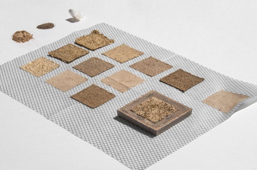 水藻製成的郵票!義大利設計師Pablo Dorigo Sempere回收威尼斯湖水藻打造環保再生設計_03