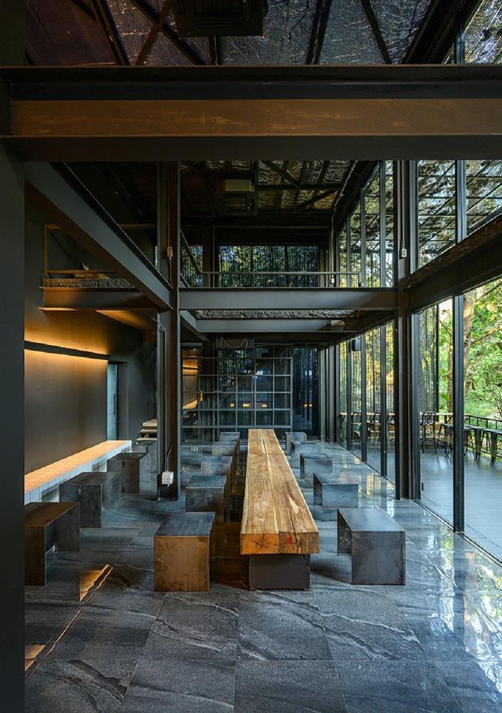藏身樹林的絕美咖啡廳!清邁「Boonma Café」翻新空間 在滿室綠意植物環繞啜飲咖啡_04