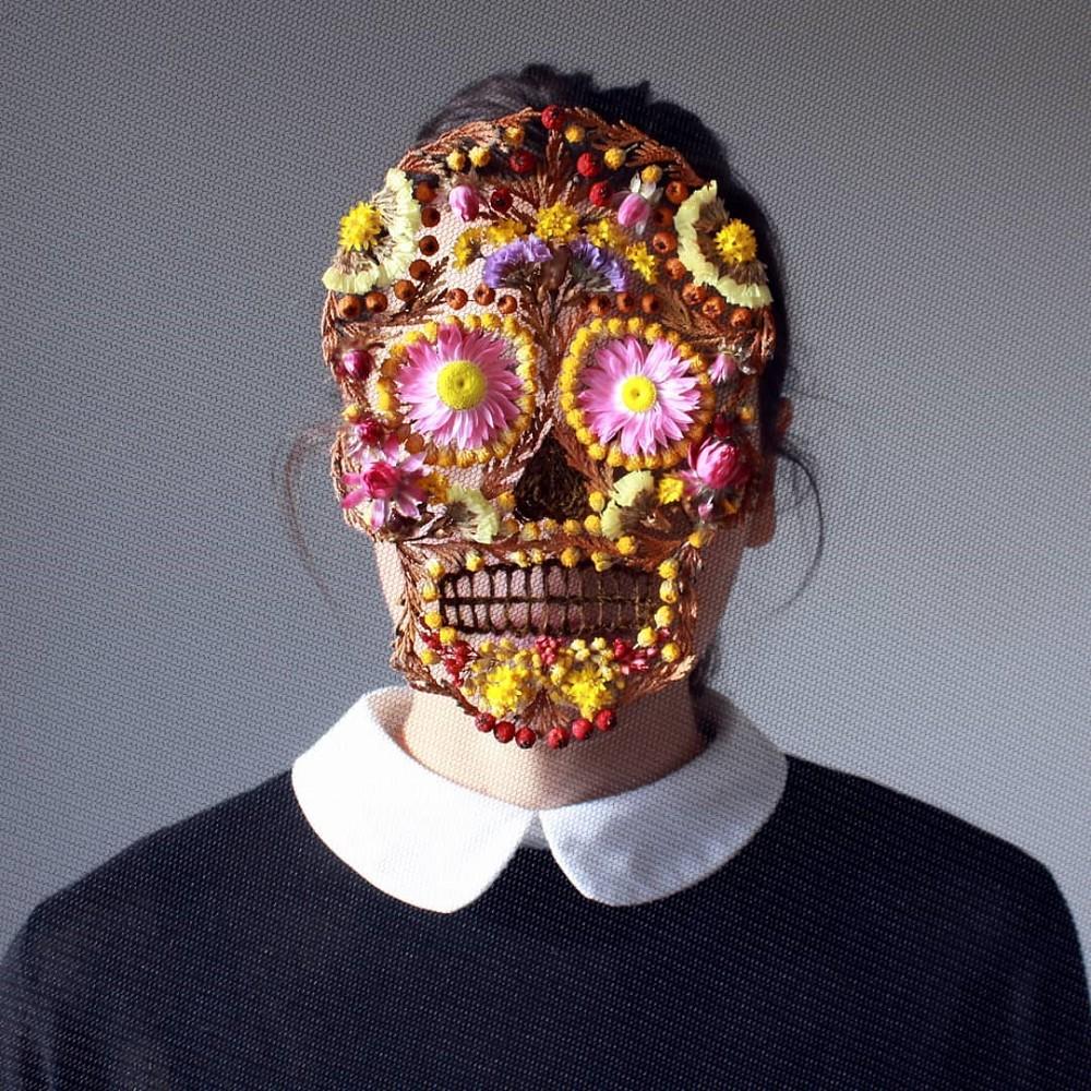 美得令人屏息!英國刺繡藝術家Olga Prinku將花草繡成美麗圖騰、抱枕燈罩全成藝術品_03