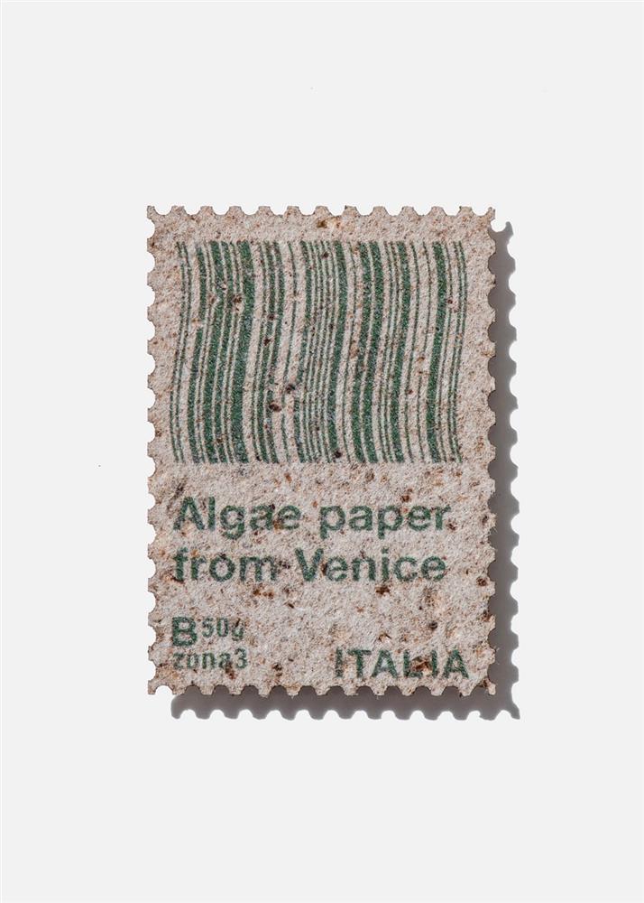 水藻製成的郵票!義大利設計師Pablo Dorigo Sempere回收威尼斯湖水藻打造環保再生設計_05