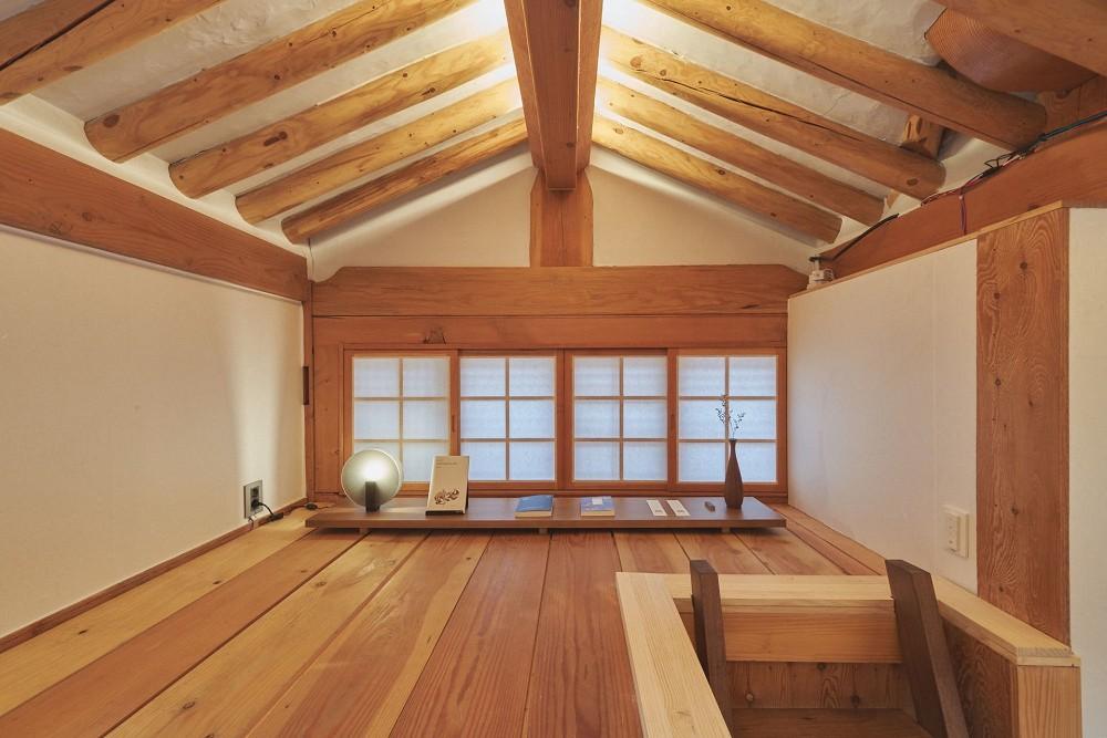 首爾西村清幽韓屋旅店OF.ONEBOOKSTAY!古樸庭院、溫潤木質構成的12坪老宅空間_12