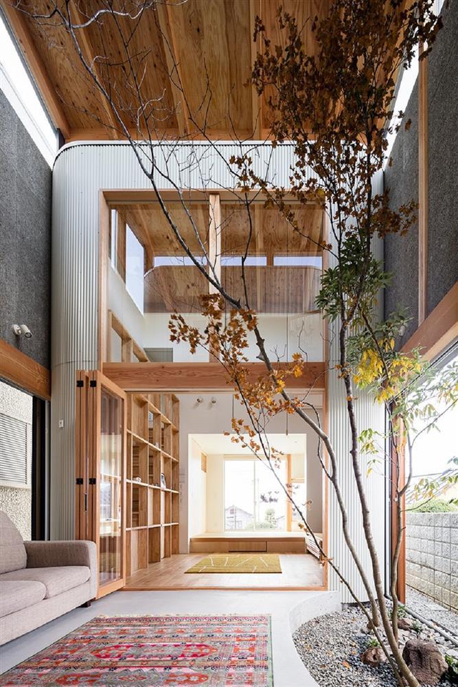 日本療癒小宅設計!大阪「melt」綠意庭院、質樸木頭包圍的小家庭空間_02