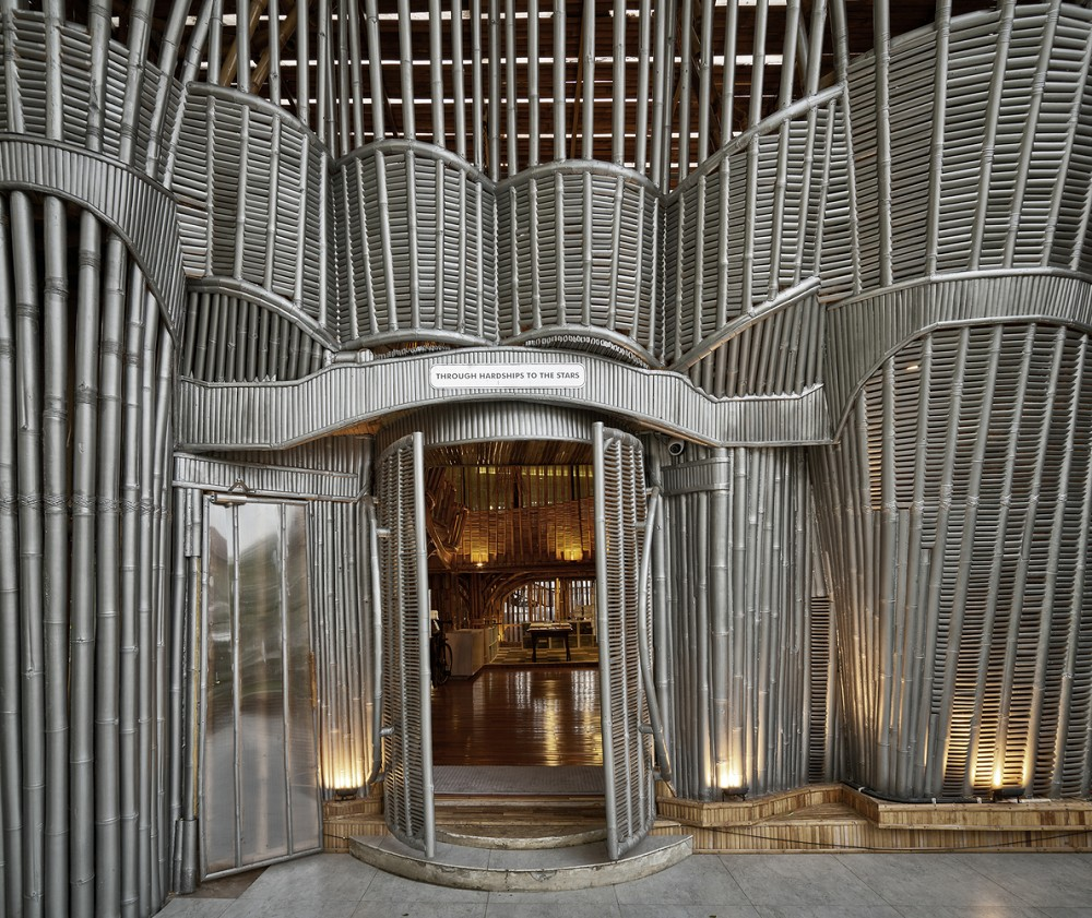 如花園般的夢幻共享建築!印尼Guha結合圖書館、牙科診所、住宅、設計事務所的綠意空間_09