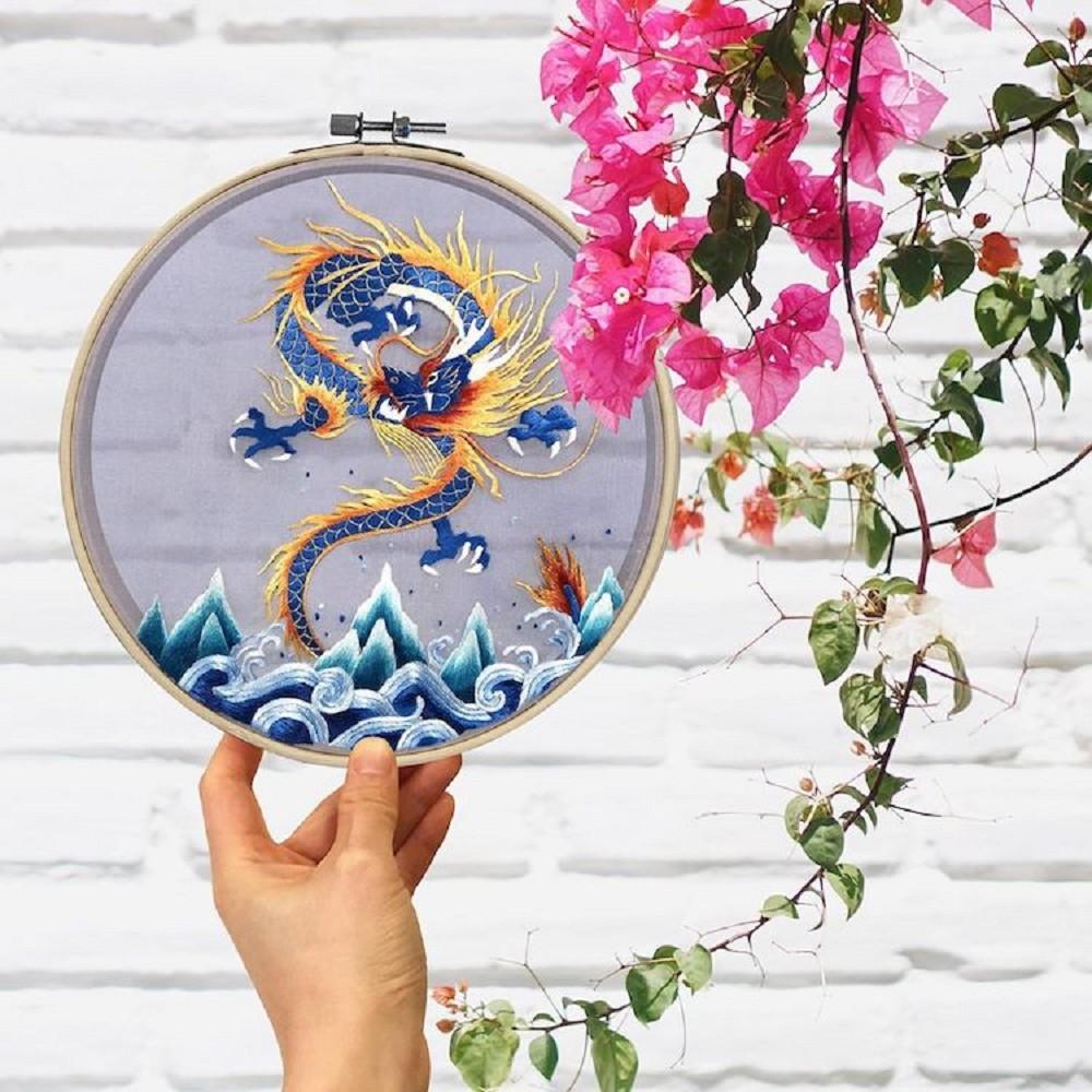 栩栩如生的絕美刺繡!中國藝術家展示盛開百合、飛鶴等精緻絲綢刺繡作品05
