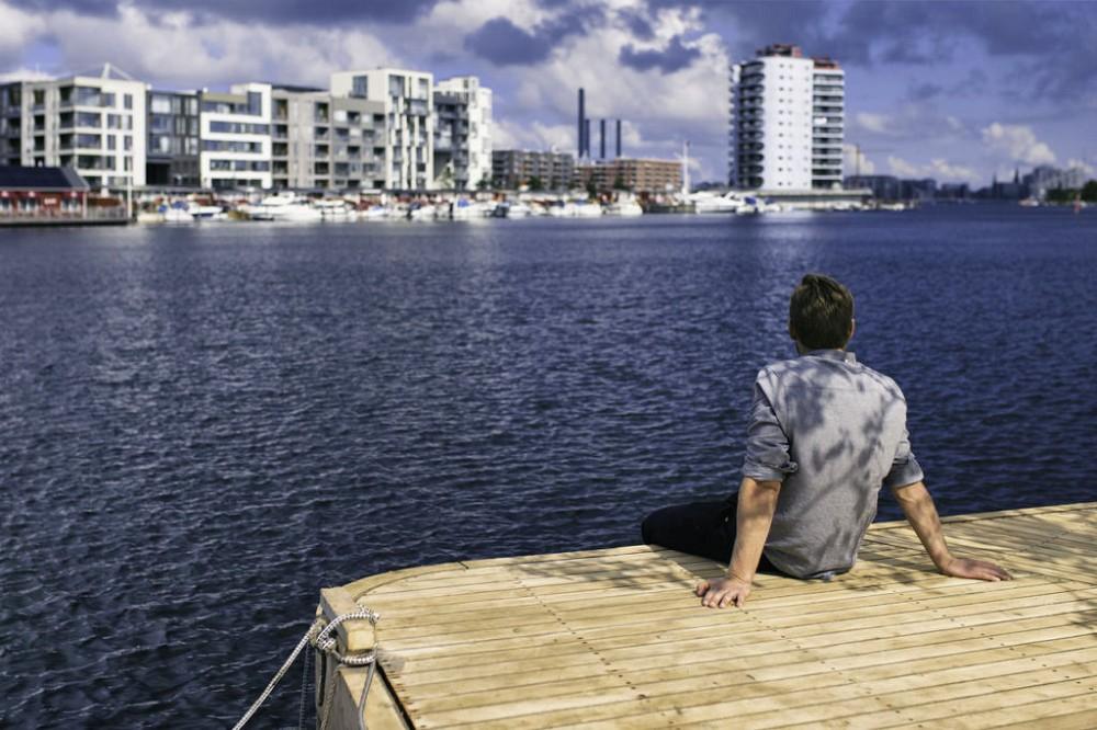 漂浮在海上的木作浮島公園!建築師打造「哥本哈根島嶼計畫」結合桑拿、咖啡廳的新形態公園_05