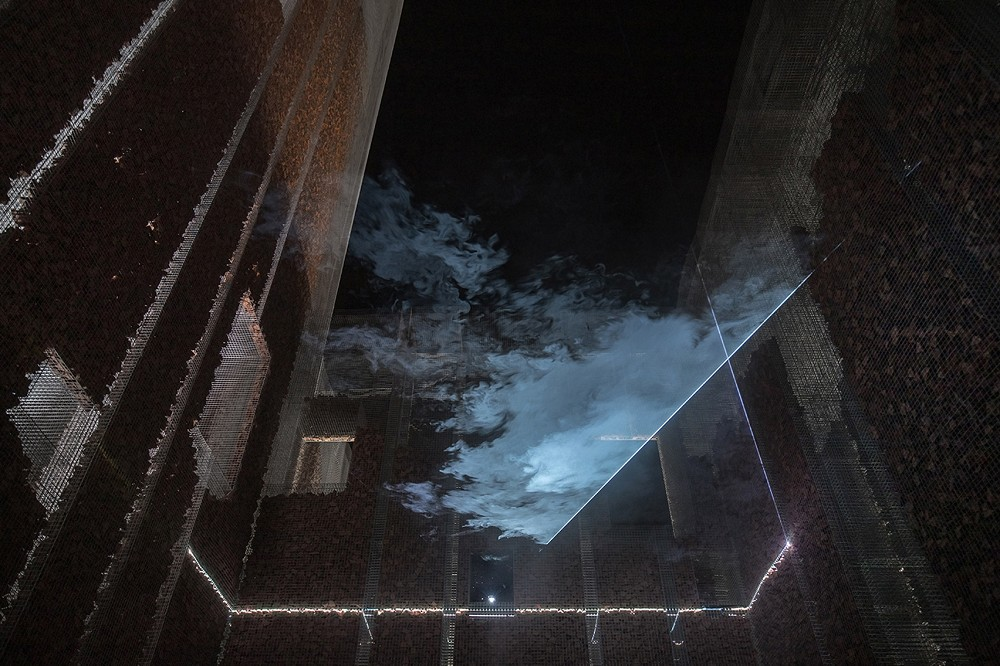 鬼魅般的雕塑建築!義大利藝術家Edoardo Tresoldi用絲網打造幻影似的阿拉伯宮殿