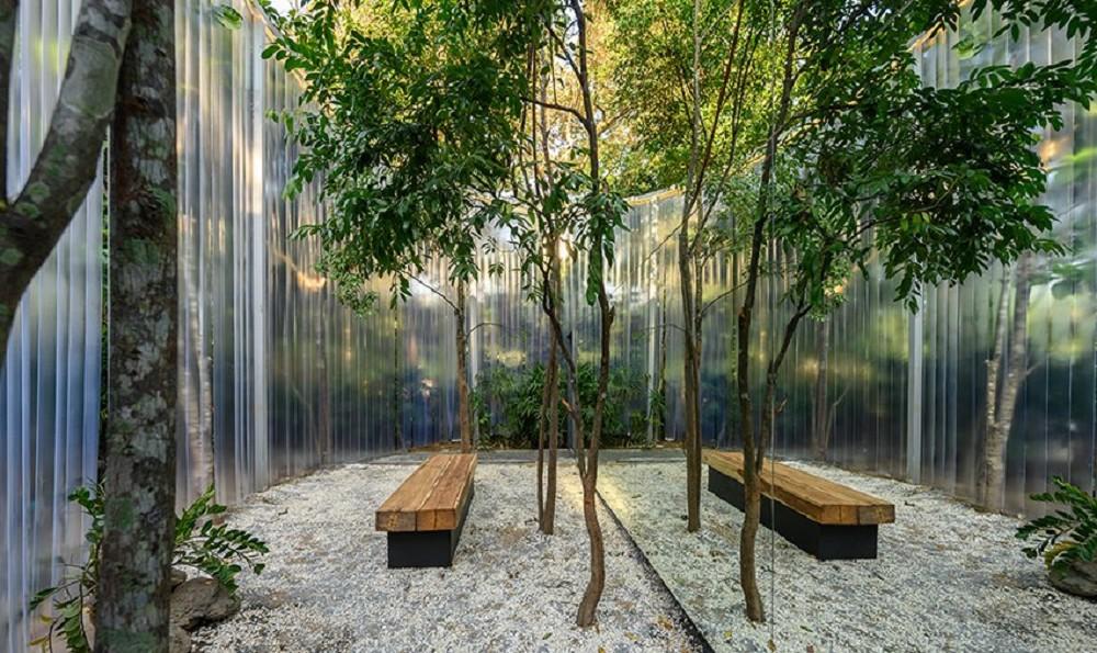 藏身樹林的絕美咖啡廳!清邁「Boonma Café」翻新空間 在滿室綠意植物環繞啜飲咖啡_01