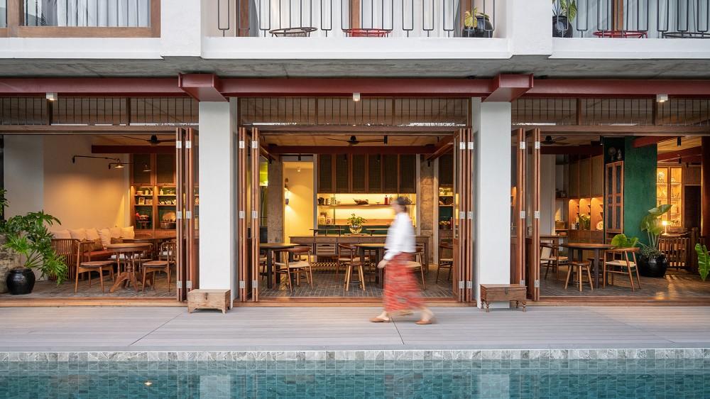 以娘惹文化為設計靈感!入住泰國新酒店Hotel Gahn 在木質空間中感受混血古城魅力_03