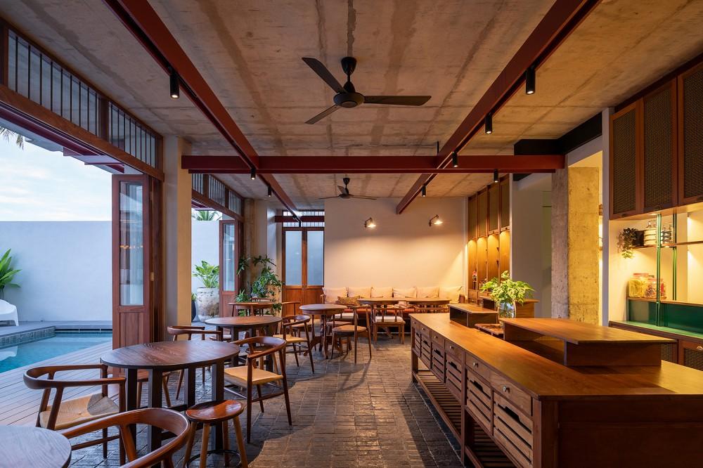 以娘惹文化為設計靈感!入住泰國新酒店Hotel Gahn 在木質空間中感受混血古城魅力_06