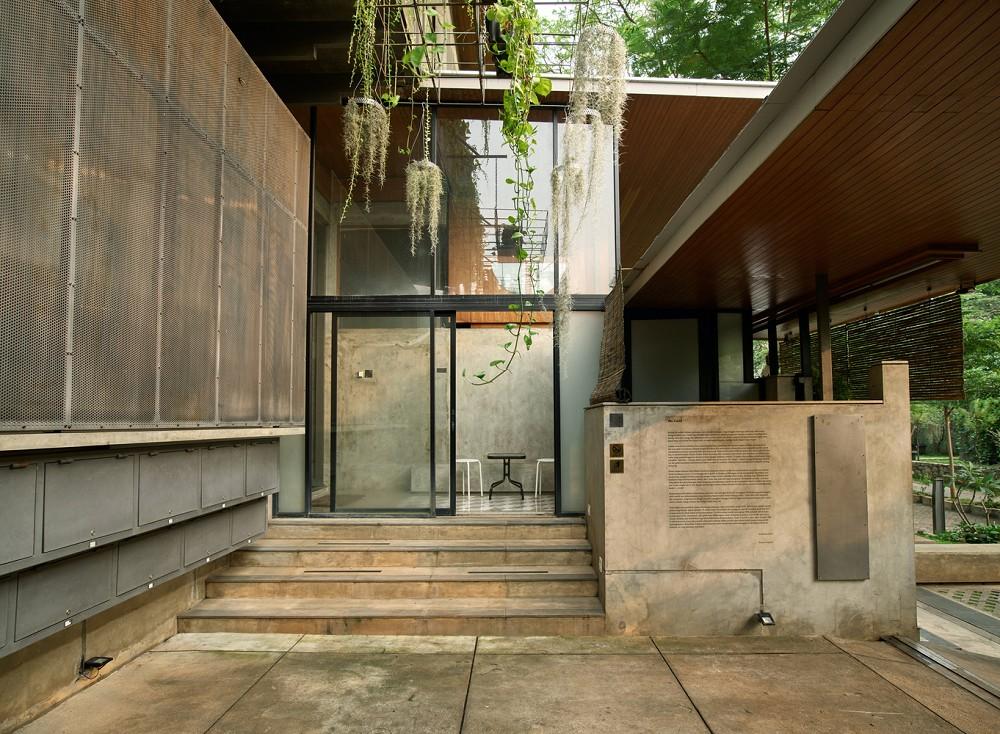 如花園般的夢幻共享建築!印尼Guha結合圖書館、牙科診所、住宅、設計事務所的綠意空間_19