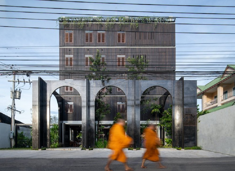 以娘惹文化為設計靈感!入住泰國新酒店Hotel Gahn 在木質空間中感受混血古城魅力_01