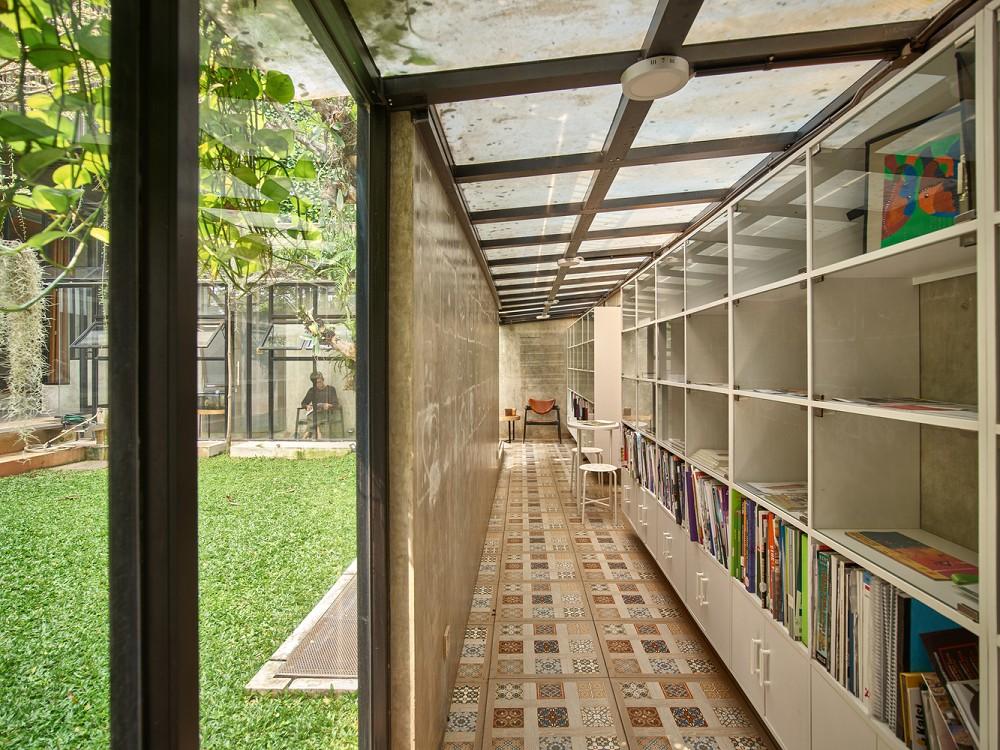 如花園般的夢幻共享建築!印尼Guha結合圖書館、牙科診所、住宅、設計事務所的綠意空間_13