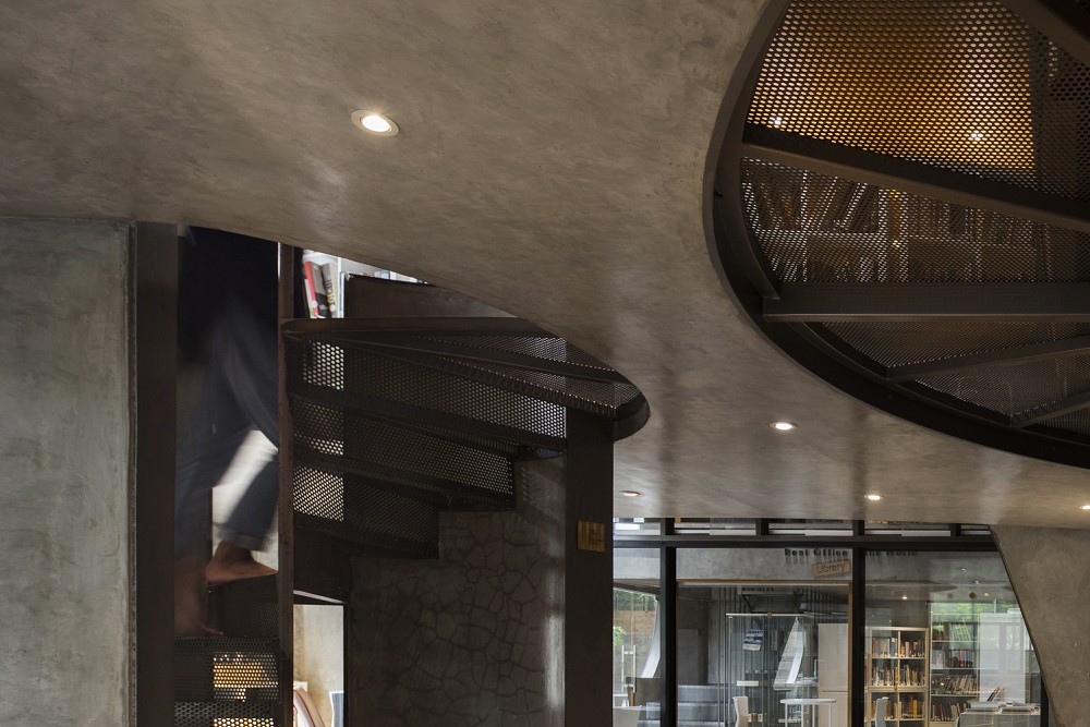 如花園般的夢幻共享建築!印尼Guha結合圖書館、牙科診所、住宅、設計事務所的綠意空間_26