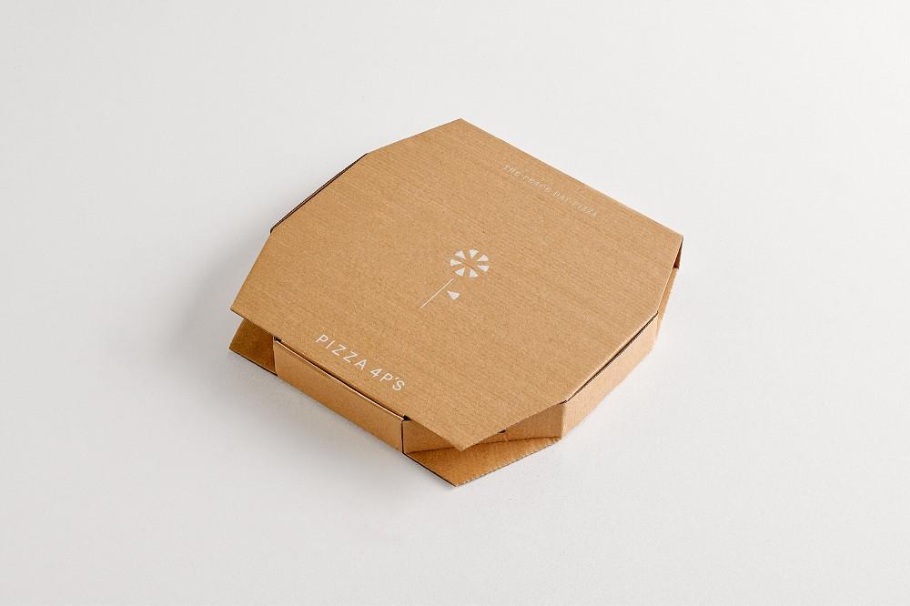 越南「Pizza 4P's」披薩盒包裝1