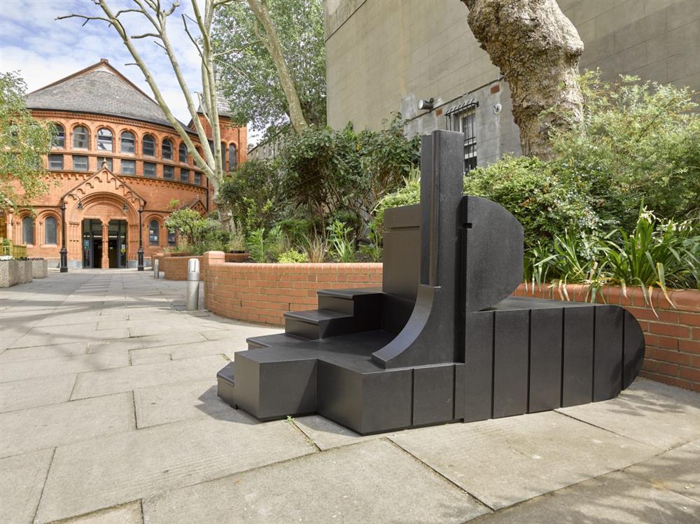 2021倫敦蛇形藝廊幾何建築亮相_01