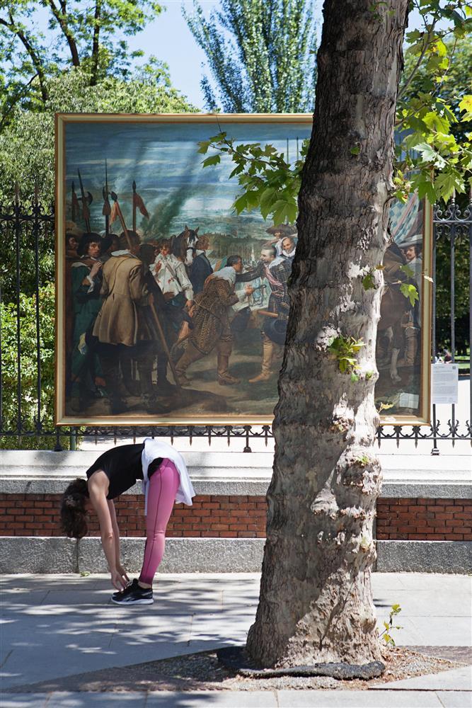 西班牙馬德里普拉多美術館將名作複製畫搬到戶外02