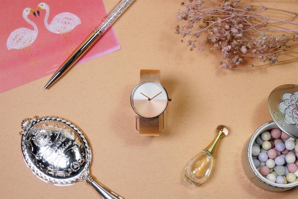 ZuWATCH系列LiGHT款玫瑰金腕錶