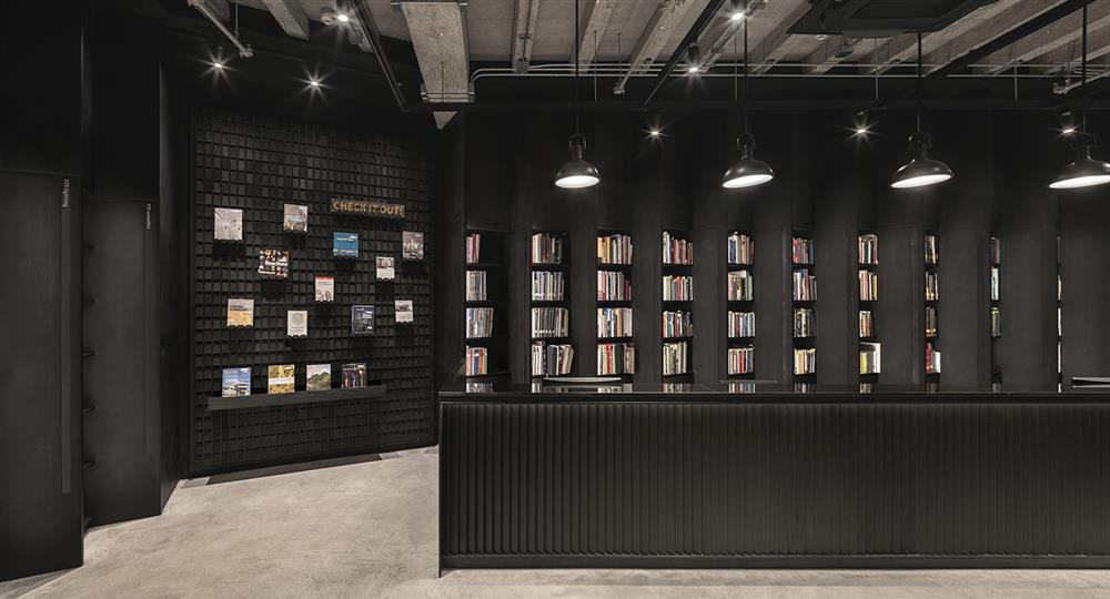 猶如方盒中的科技迷宮!朱拉隆功大學新世代多功能圖書館 顛覆傳統藏書定義