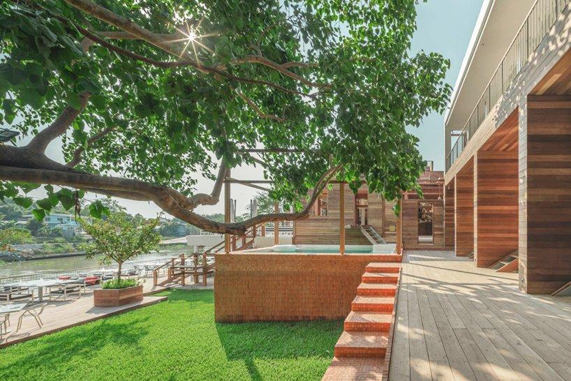 泰國大城區酒店!河畔、堡壘旁的紅磚迷人旅宿BAAN POMPHET_04