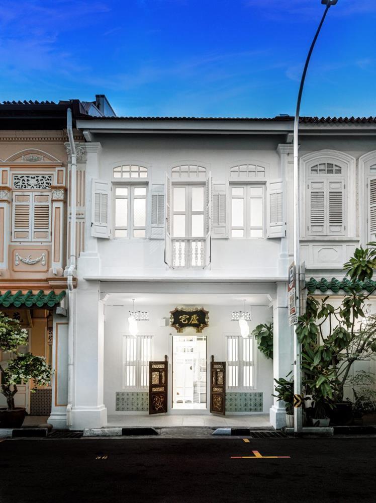 canvas-house-singapore-co-living-interiors-shophouse-ministry-of-design_dezeen_2364_col_0-852x1139