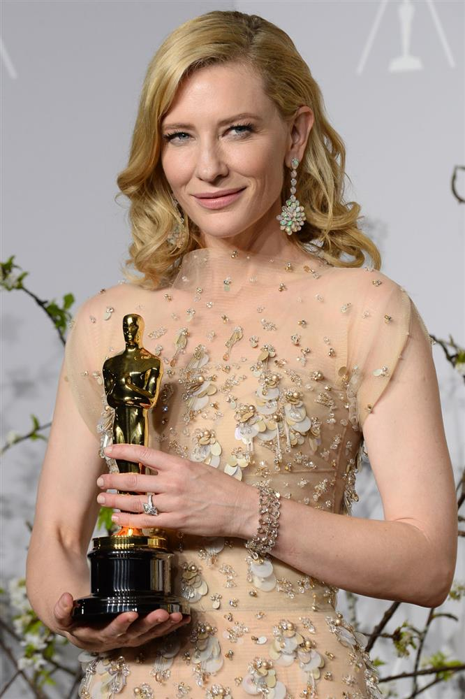 cate_blanchett_press_room_oscars