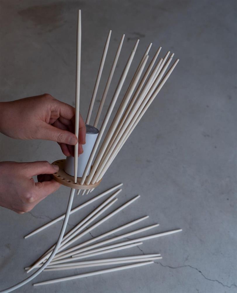 免洗筷變身簡約摩登燈罩07