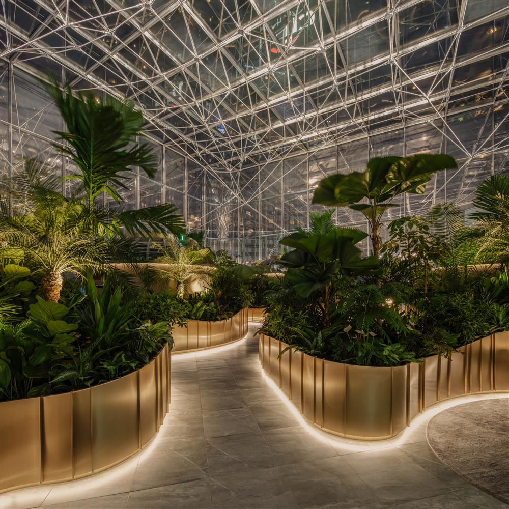 citi-bank-wealth-hub-singapore-banking-conservatory-ministry-of-design_dezeen_2364_col_16