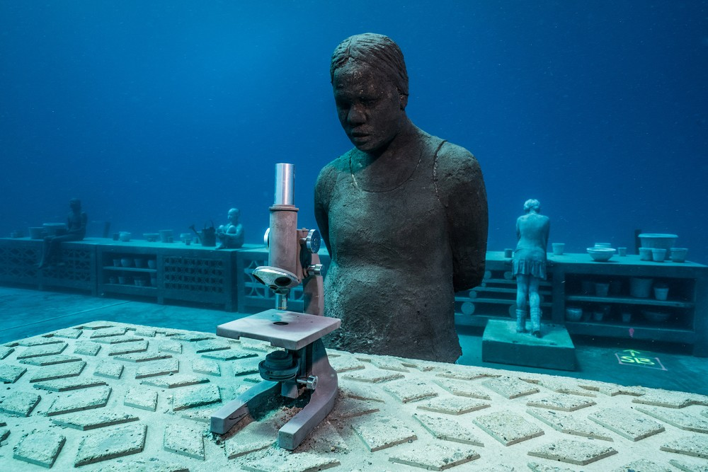 coral-greenhouse-jason-decaires-taylorl4