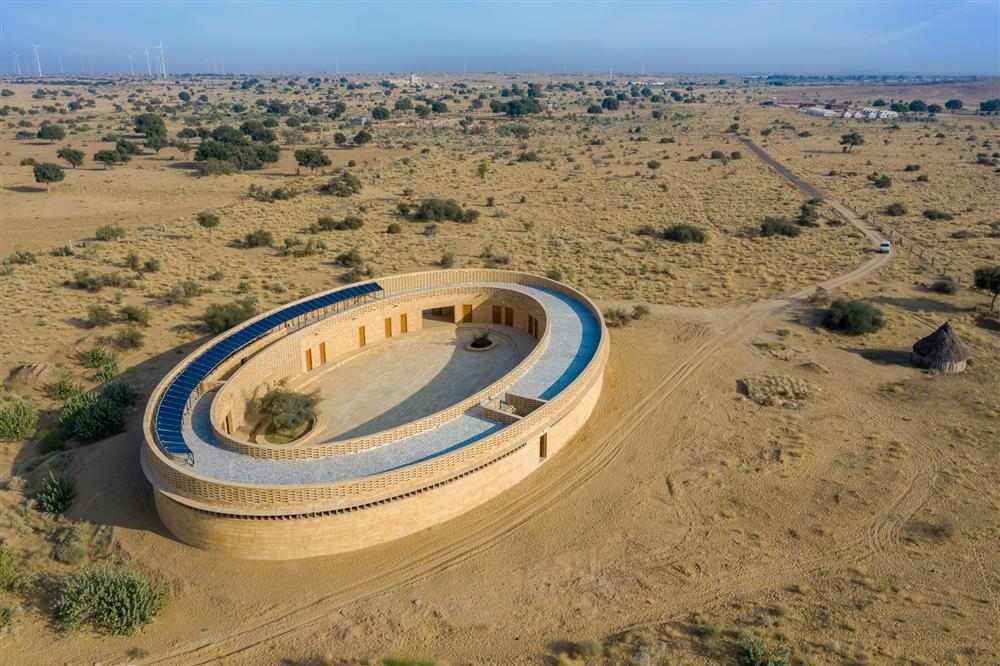 diana-kellogg-architects-rajkumari-ratnavati-girls-school-india-architecture_dezeen_2364_col_11