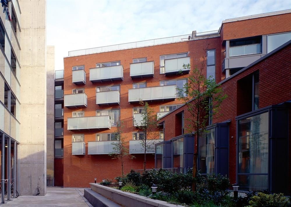 grafton-north-kings-street-housing-architecture-roundups_dezeen_2364_ss_0